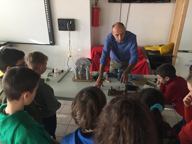 Scuola primaria di Arizzano: laboratorio scientifico